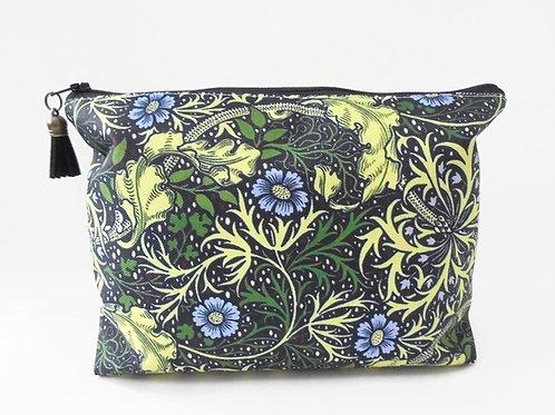 Dumpy bag, leafy, green, seaweed, plants, jungle, boxy wash bag, cosmetic bag