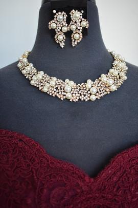 Goldtone Pearl Set.jpg