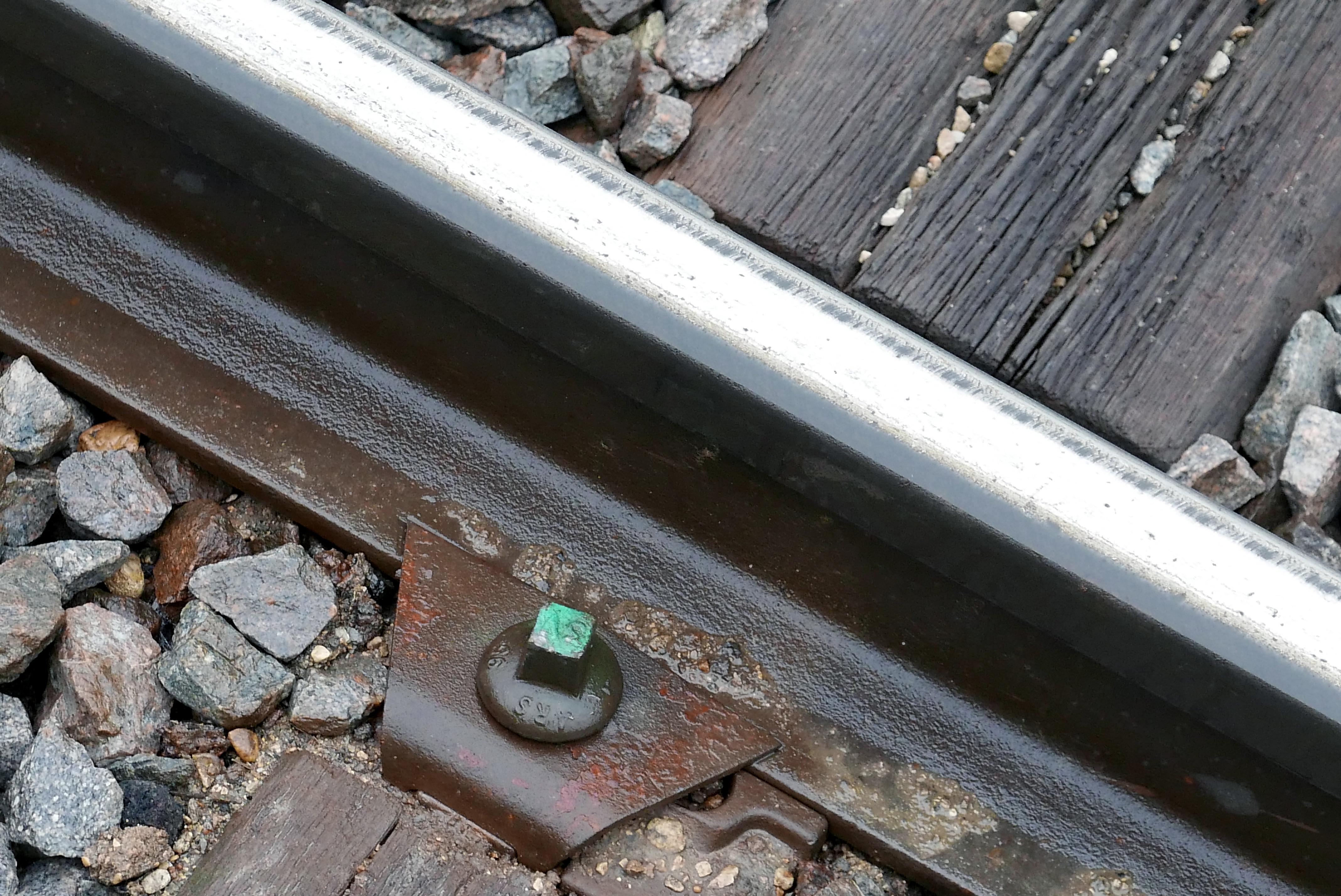 Vía de ferrocarril