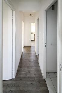 corridor to kitchen Lolive