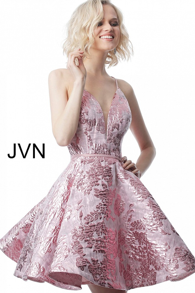 JVN00564-660x990