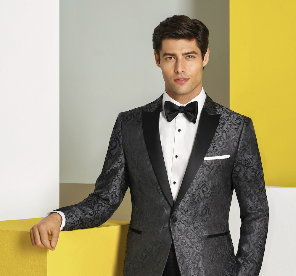 1901 Couture Chase in Charcoal