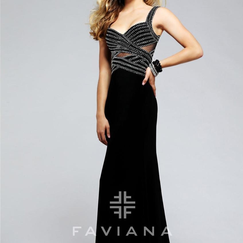 s7806-black-prom-dress-shops(2)