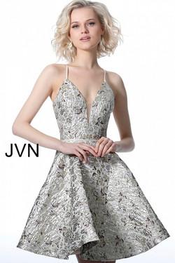 JVN3821-660x990