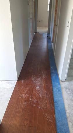 Floating wood floor