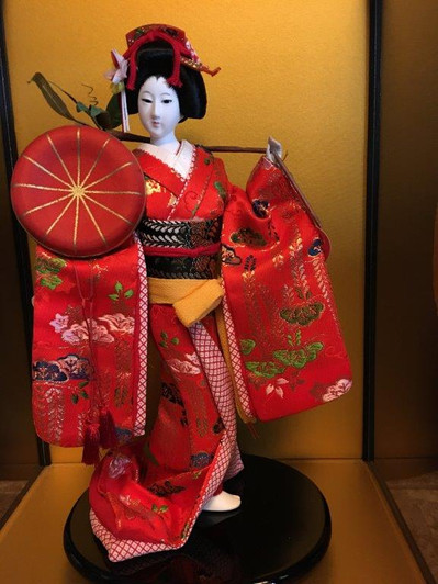Japan Geisha in glass case