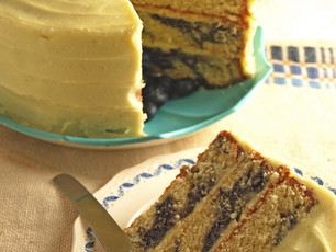 Marbled Blueberry and Cinnamon Cake