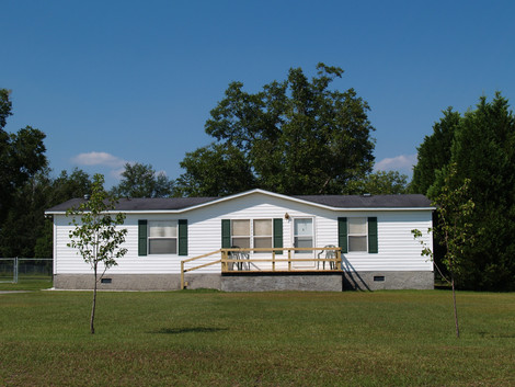 Buying a Manufactured Home - article courtesy of InterNACHI