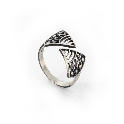 Hera's Strength Ring   Oxidised Sterling Silver 925°