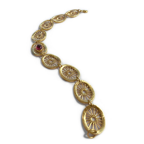 Aktines Oval Bracelet | Gold Plated Sterling Silver 925° - Red Cabochon Zircon
