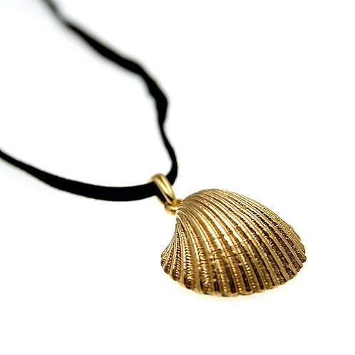 Clam Seashell Necklace | Gold K14