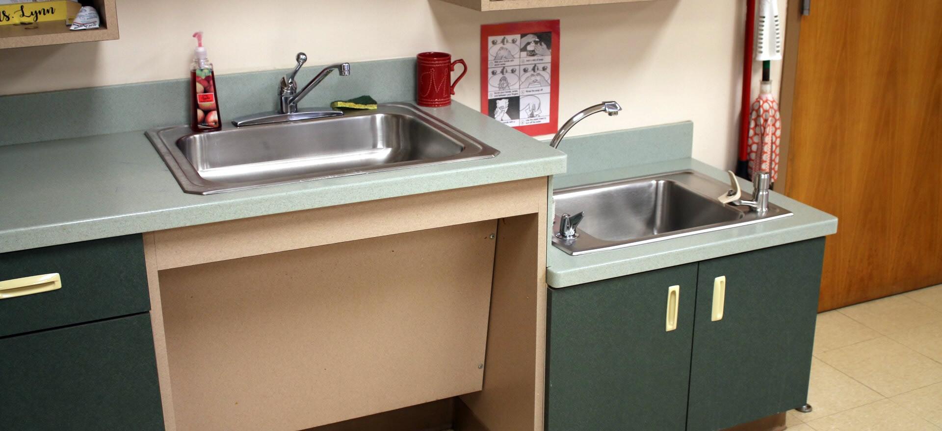 Child-size Sinks