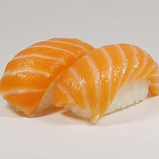 Nigiri Salmon*