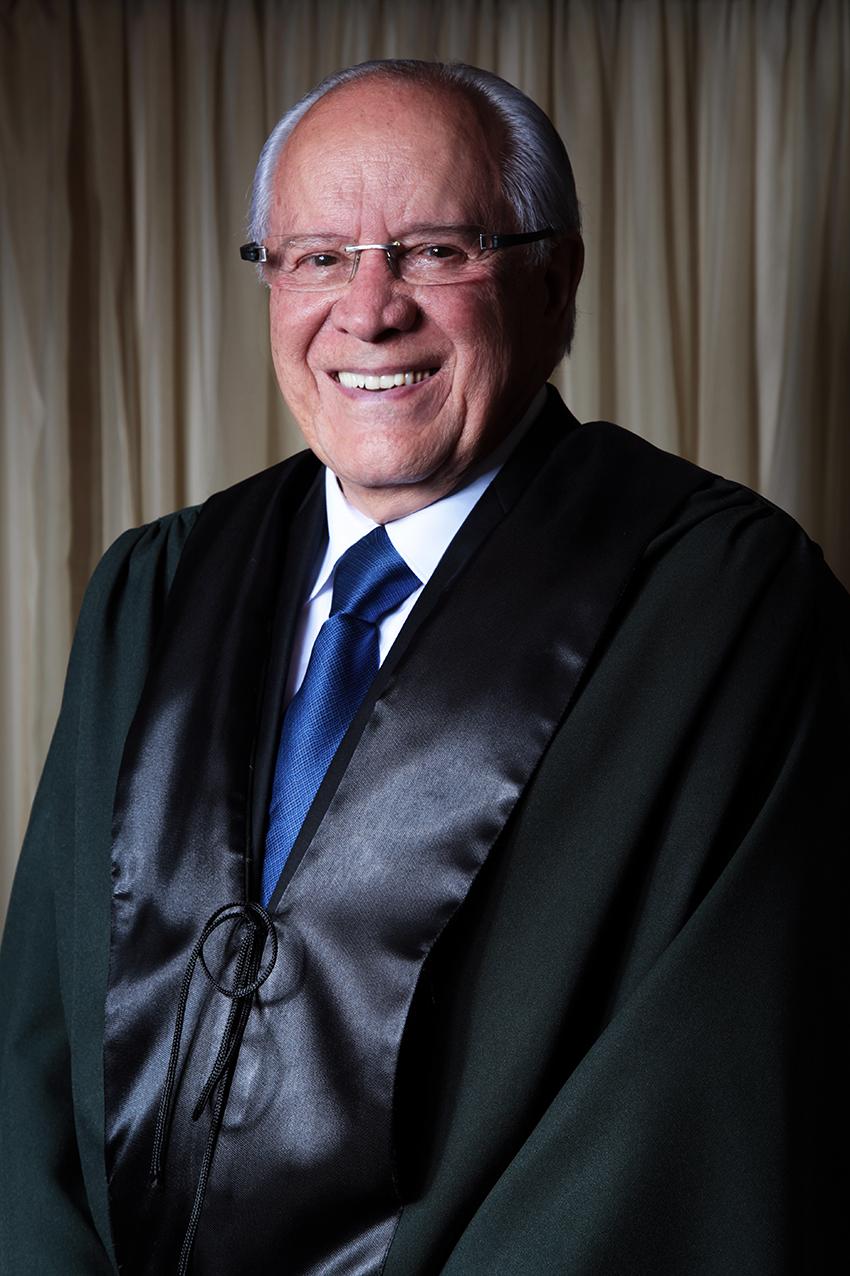 Dr Luis Jose Romeo