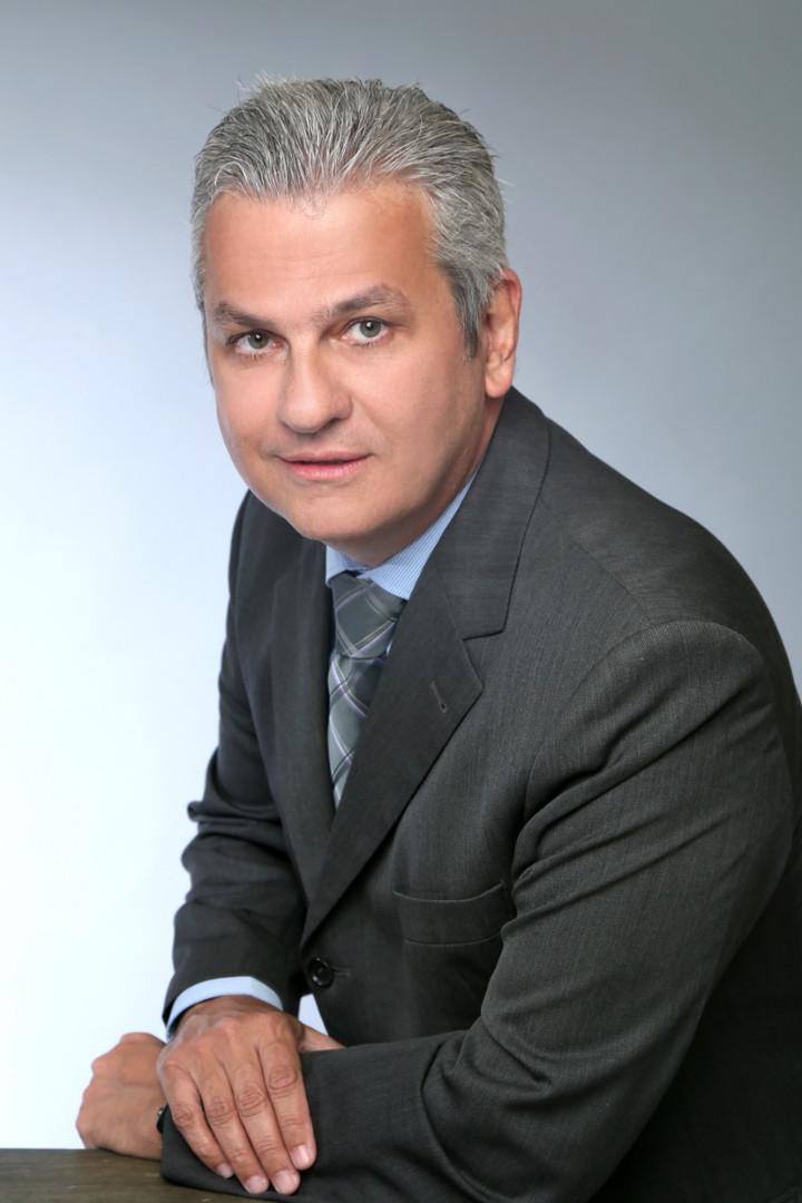 Retrato prof. Fernando Serian.jpeg