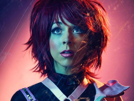 "LINDSEY STIRLING PROVIDES HYBRID EDM WITH ELLE KING AND ""THE UPSIDE"""