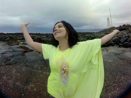 Björk 360 VIEW VIDEO IS TURNING HEADS