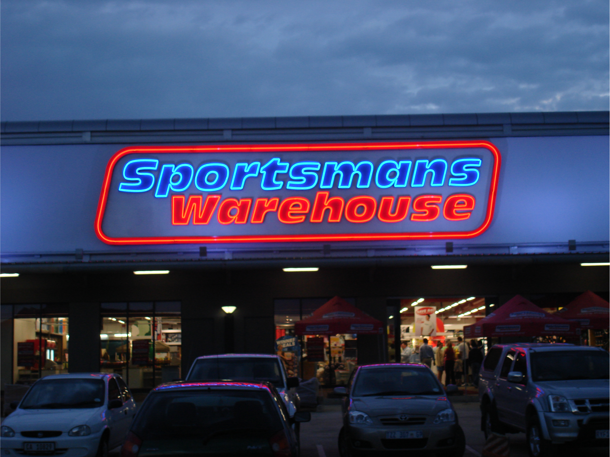 Open Pan Aluminium Fabricated Letters with Neon illuminated