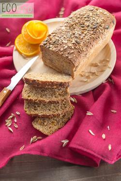 Pan de espelta y naranja