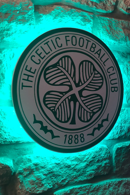 imake Celtic F.C. Wooden Wall Light with remote control