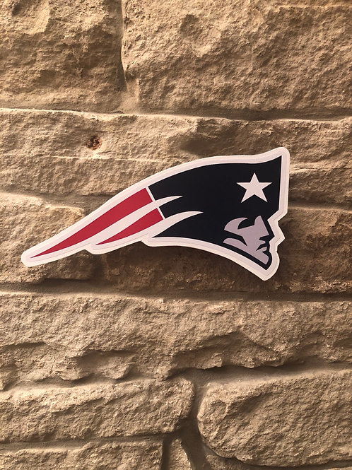 """imake NFL """"Flying Head"""" New England Patriots Wooden wall badge"""
