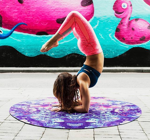 teen acrobat.jpg