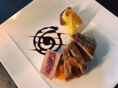 Thunfischfilet mit Tomaten-Concassée und Kartoffeln