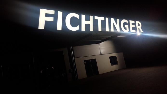 Fichtinger-Leuchtschriftzug