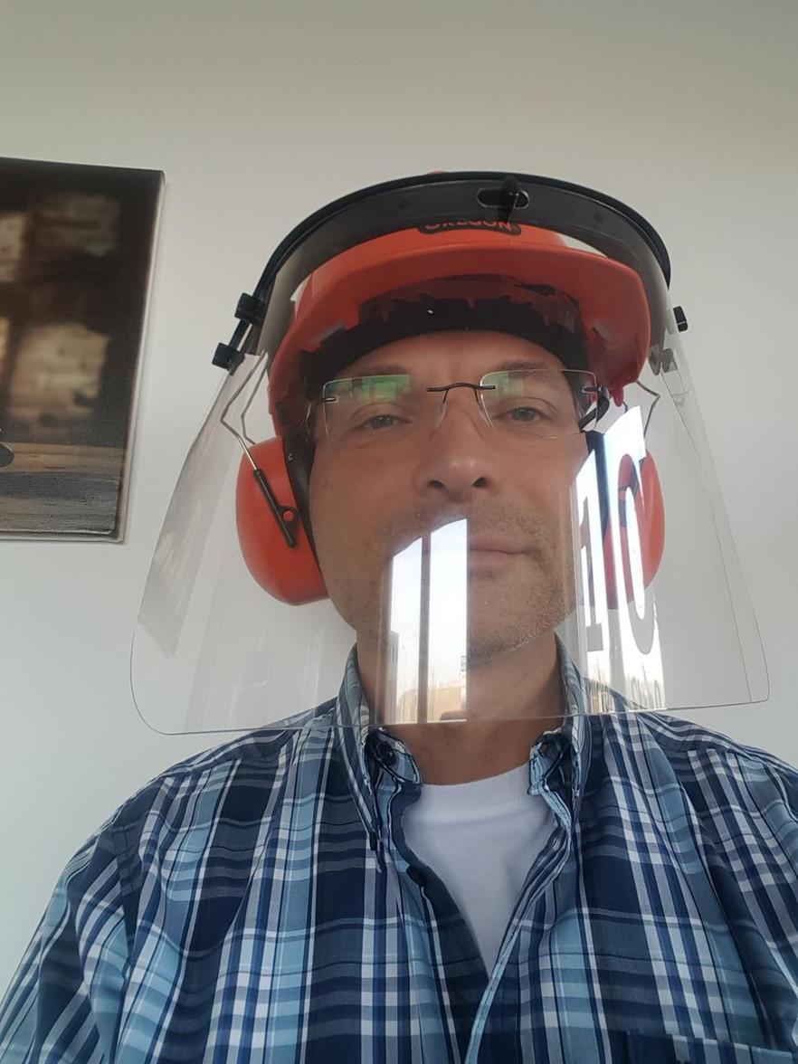 Helm mit Schutzvisier