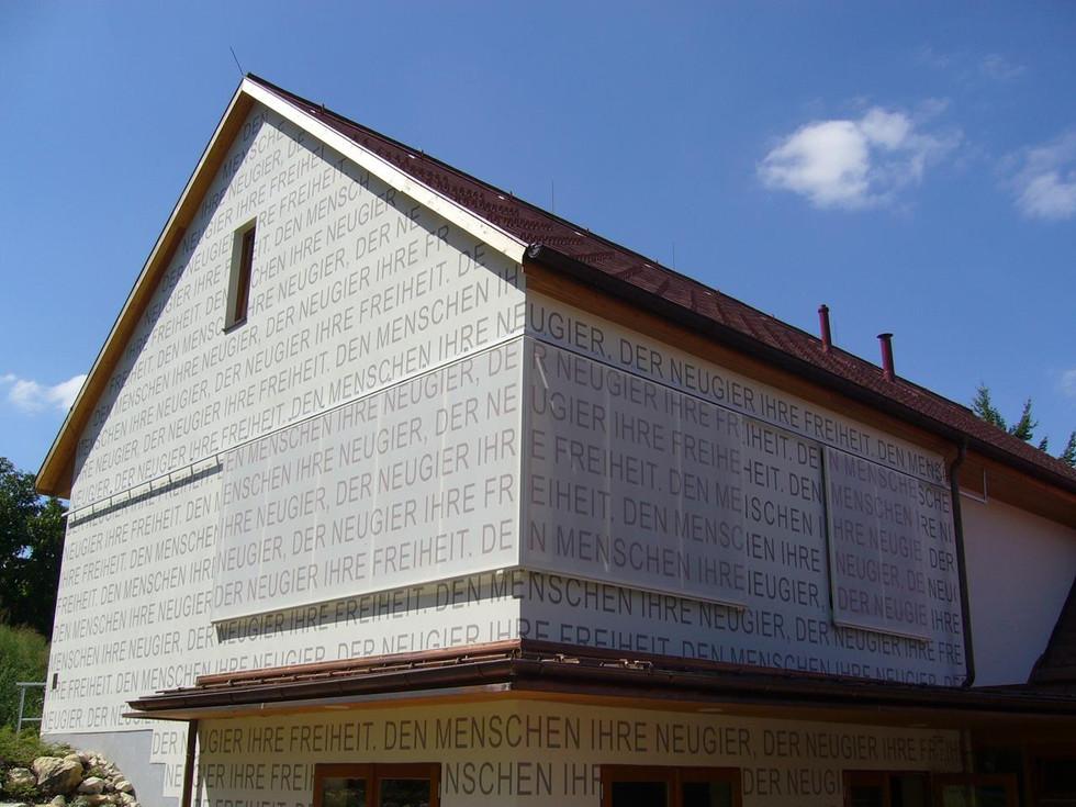 Fassadenbeschriftung
