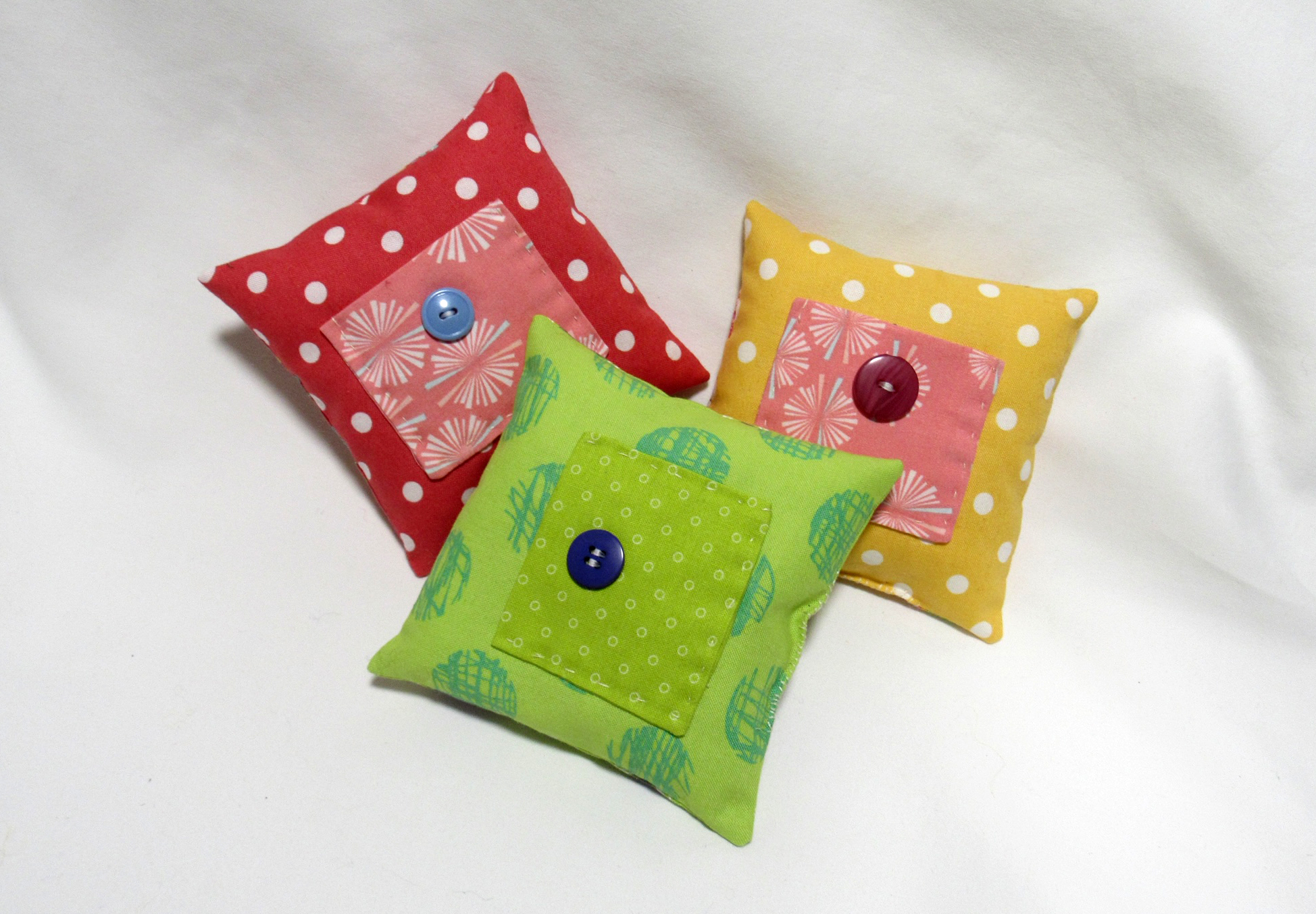 Lorie_3Pillows