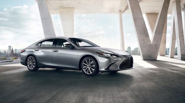 Lexus-ES-detail-gallery-overlay-1204x677