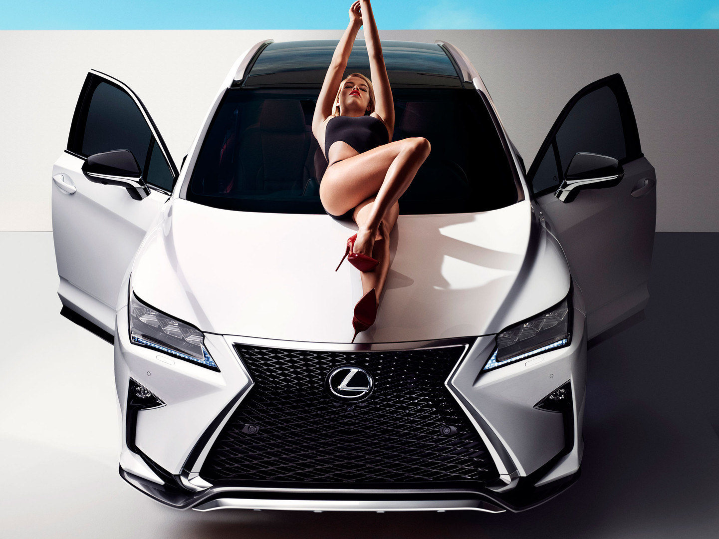2016-lexus-rx-stars-in-sports-illustrate