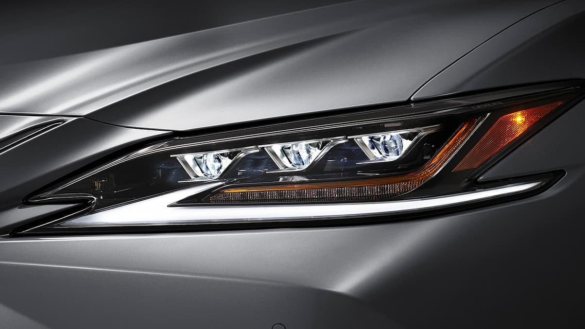 Lexus-ES-nebula-gray-pearl-gallery-overl