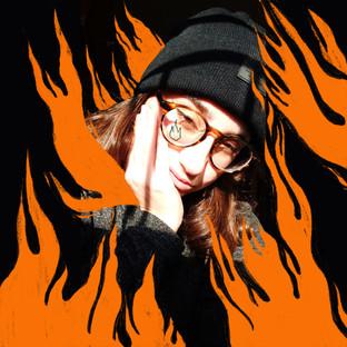 autorretrato   chica en llamas