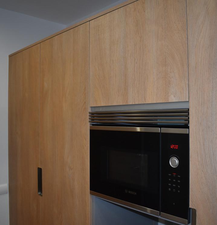 Mueble de cocina y microondas