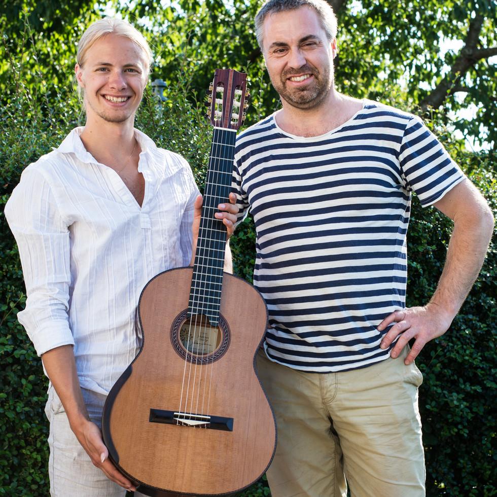 Jonatan and luthier Johannes Kitselis 2015
