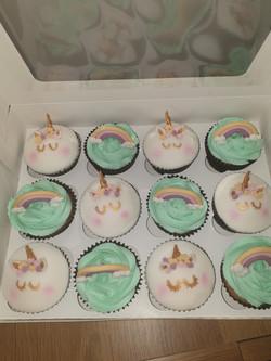 boxed unicorn cakes