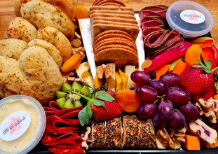 crudites tray with breads.jpg