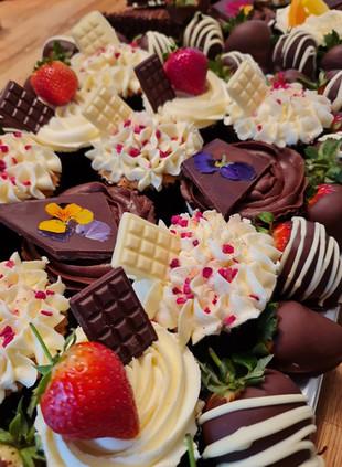 cupcake platter.jpg