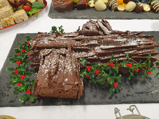 large chocolate yule log £42.jpg