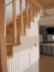 2階から光が入り 時の経つのを感じる床