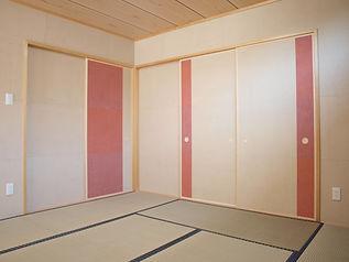 手製の和紙 現代調の和室