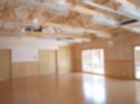 調湿建材を使用した集会室