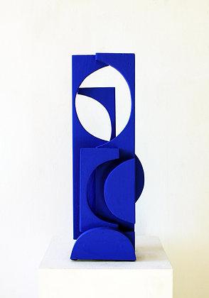 Blue Standing, 49x19x16cm