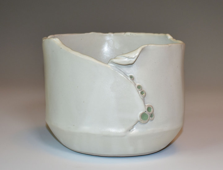 Planter - white silky with folded edge - SOLD