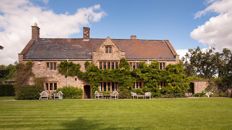 wedding venues devon the manor front view.jpg