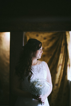 wedding photographers devon bride.jpg