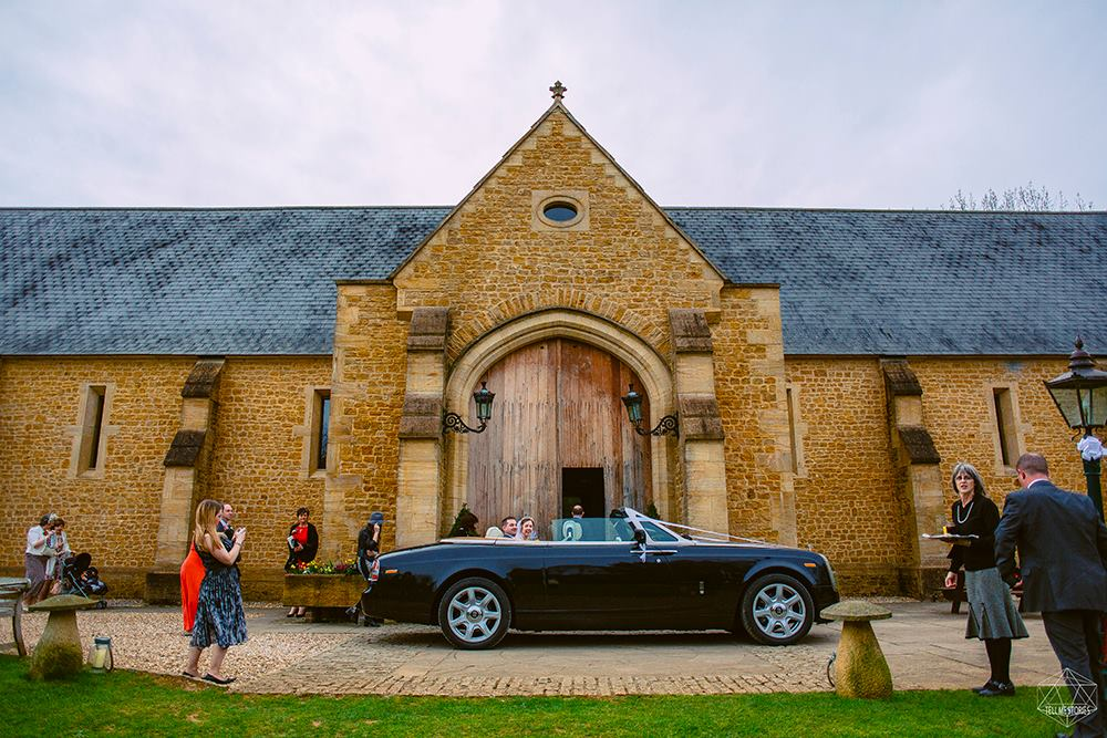 wedding photographers devon wedding car.jpg