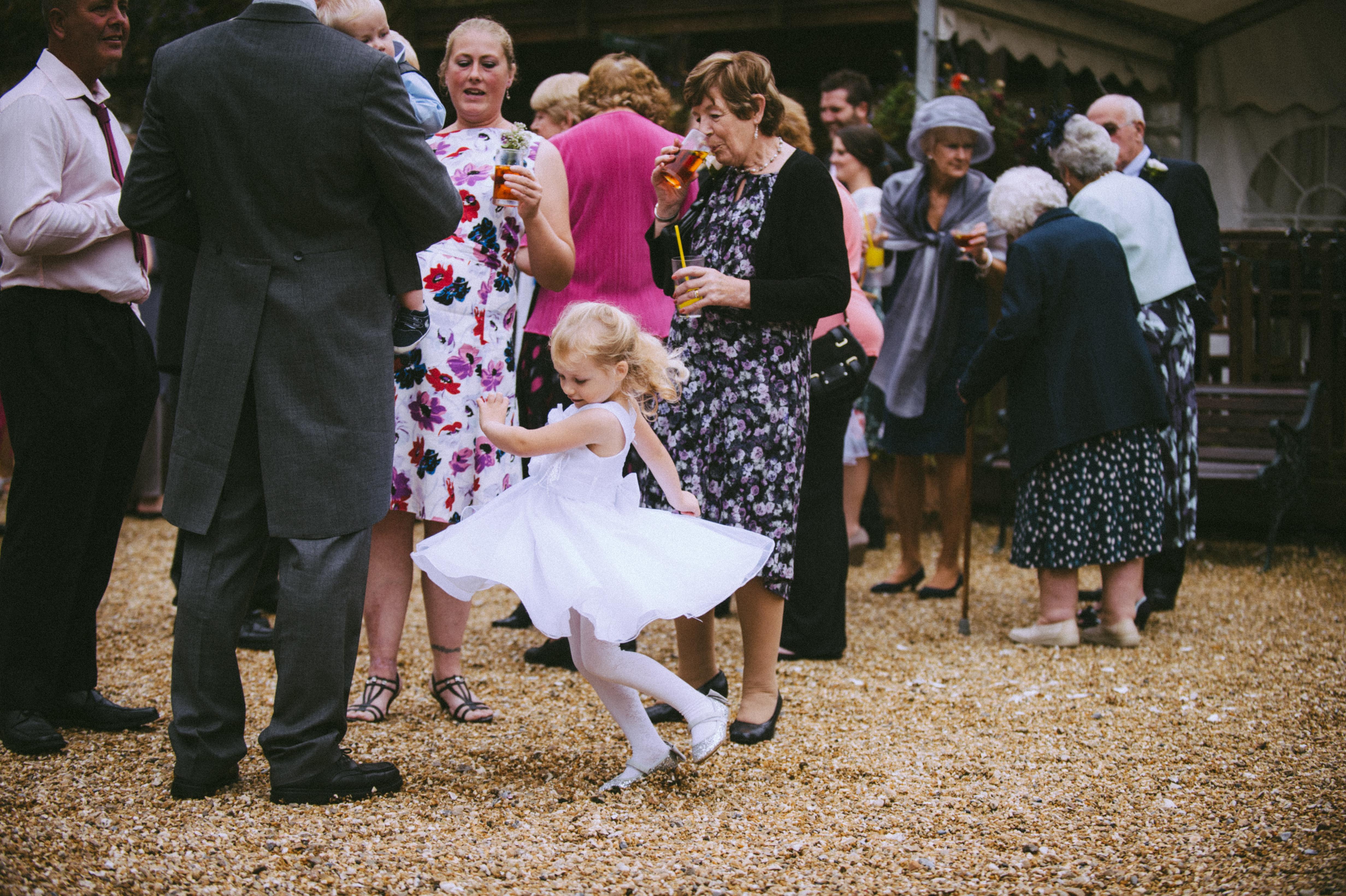 wedding photographers devon little girl.jpg